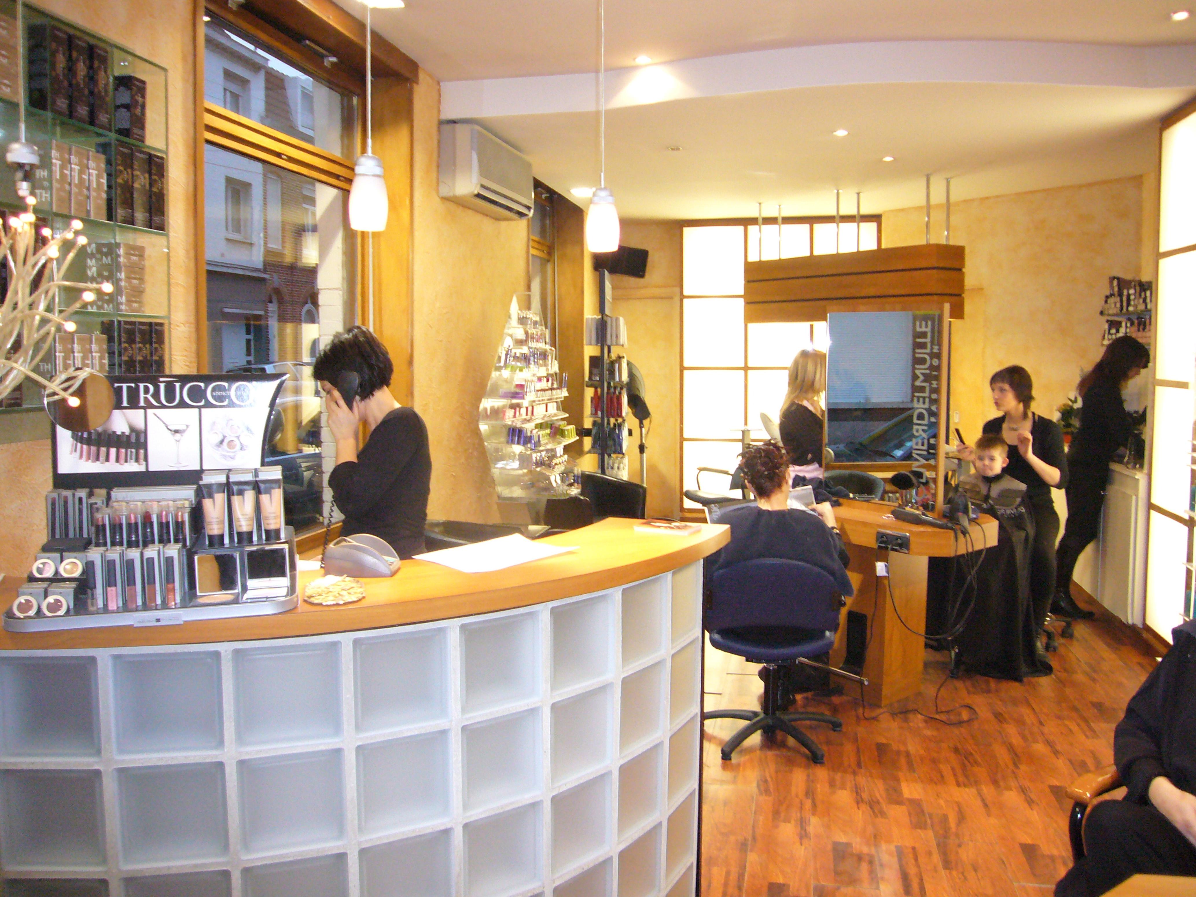 Conception d agencement avant apres at ambiance 3d et for Chaine de salon de coiffure